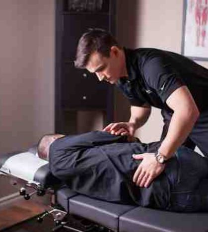 Picture of a healing chiropractor